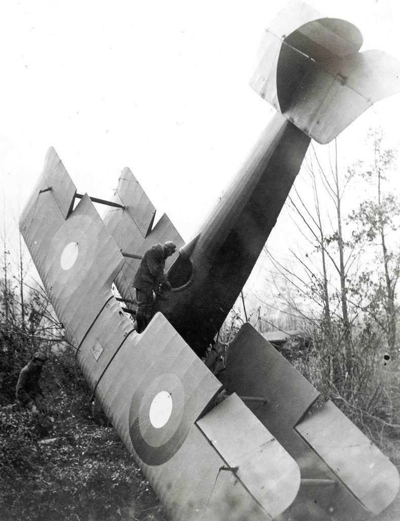 a world war one or two plane crashes